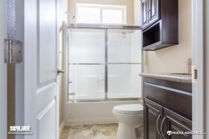 K353G bathroom
